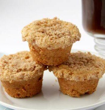 Mini Caramel Streusel Cakes