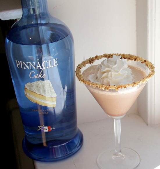 Turtle Caketini Dessert Cocktail Recipe | SnappyGourmet.com