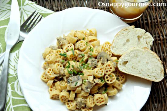 Creamy Pumpkin Sage Sausage Pasta | snappygourmet.com