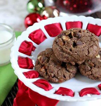 Chocolate Turtle Cookies