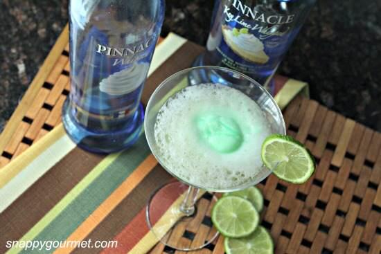 Key Lime Pie Fizztini Cocktail Recipe   SnappyGourmet.com