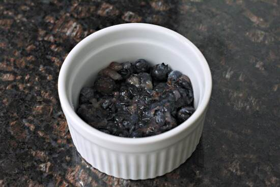 one minute blueberry cobbler