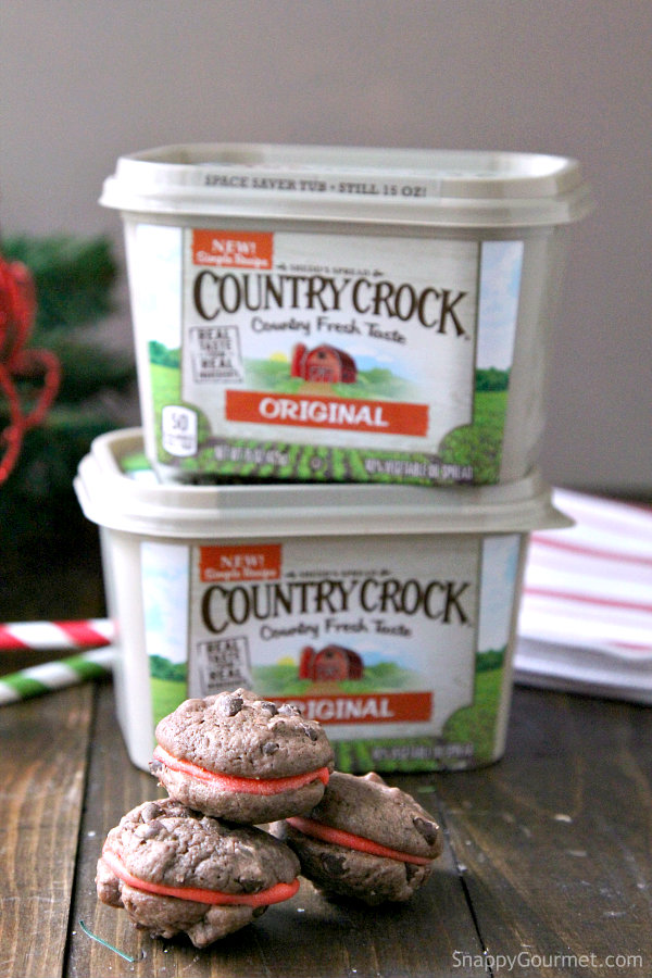 Mini Chocolate Peppermint Chip Cookie Sandwiches Recipe | SnappyGourmet.com
