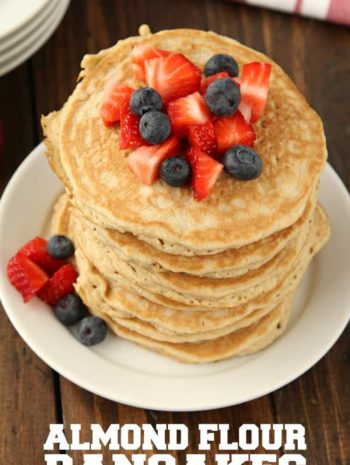 Almond Flour Pancakes Recipe - the best easy fluffy gluten free pancakes with almond flour