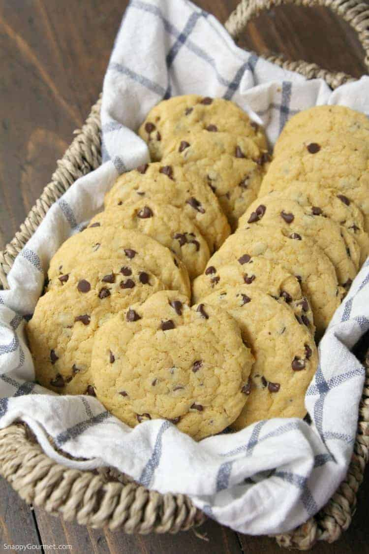 Pumpkin Chocolate Chip Cookies - easy recipe for pumpkin cookies with chocolate chips