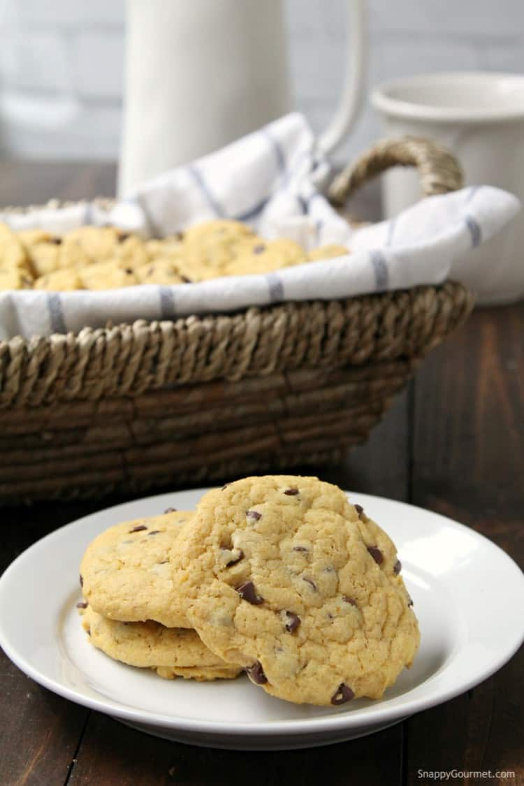Pumpkin Chocolate Chip Cookies - fun pumpkin cookies with pumpkin spice and chocolate chips