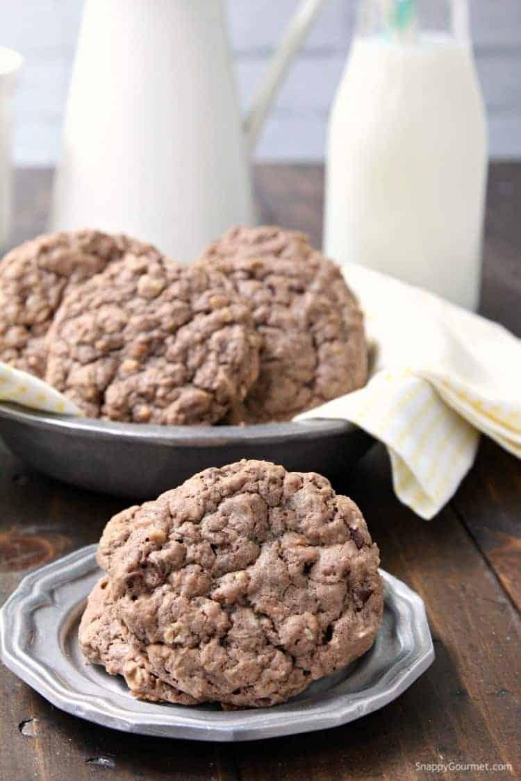 Chocolate Banana Oatmeal Cookies - homemade banana oatmeal cookies with chocolate and toffee chips