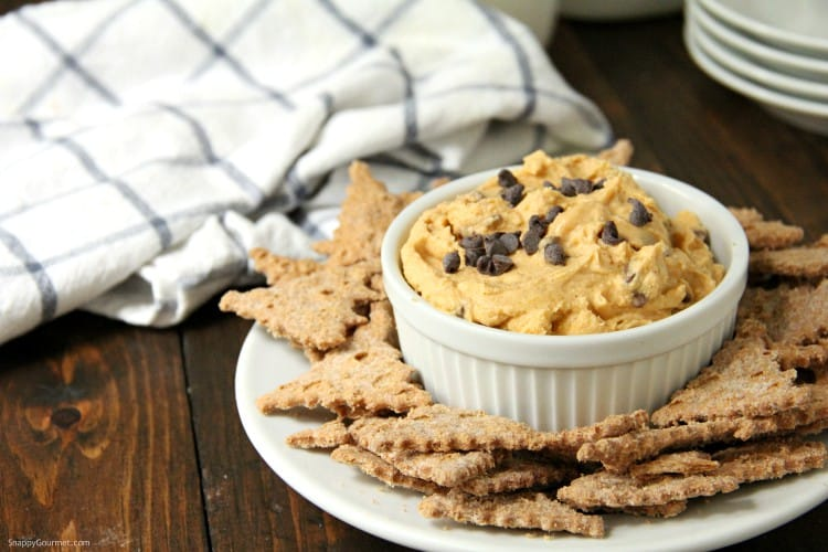 pumpkin cannoli dip with cannoli chips